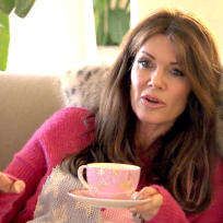 Lisa vanderpump on bravo vanderpump rules