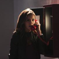 Elena on the phone the vampire diaries s6e11