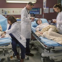 Caring for patients greys anatomy s11e9