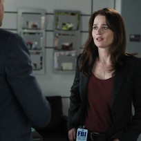Lisbon looks concerned the mentalist s7e8