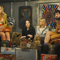 Moving in 2 broke girls