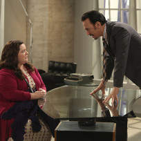 Mollys dilemma mike and molly
