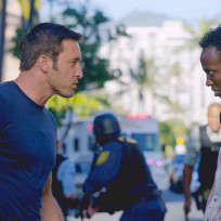 Steve and makoni hawaii five 0 season 5 episode 15
