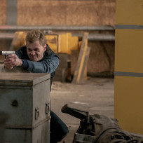 Locked and loaded chicago pd s2e15