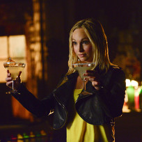 Double fisted the vampire diaries s6e16