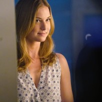 Emily drops by revenge season 4 episode 15