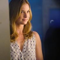 Emily drops by revenge season 4 episode 15