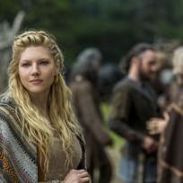 Lagertha is pleased vikings s3e2