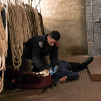 Attending to the wounds chicago fire s3e17