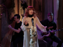 Florence and the Machine Perform