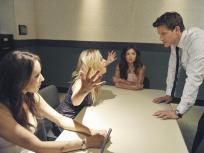 Pretty Little Liars Season 2 Episode 12