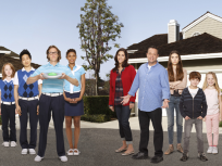The Neighbors Cast Pic