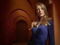 Jennifer Finnigan as Molly