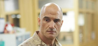Elias koteas on combat hospital