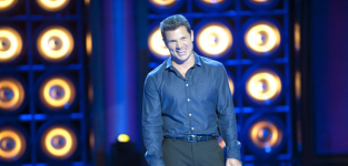 Nick lachey on stage