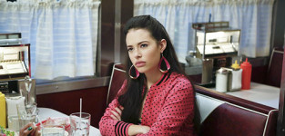 Chloe bridges on the carrie diaries