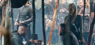 Will Athelstan stay in England or return to Kattegat?