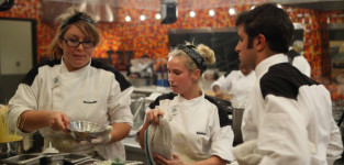 Hell's Kitchen: Watch Season 12 Episode 18 Online