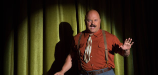 Michael chiklis as dell toledo pic