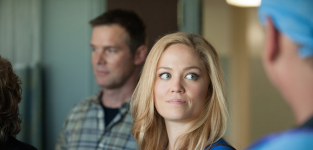 Erika Christensen Teases Julia's Love Conundrum, The End of Parenthood & More