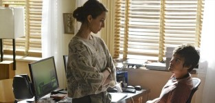 """Pretty Little Liars Photos from """"Over a Barrel"""""""