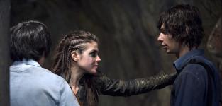 Octavia and Jasper Reunited - The 100