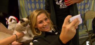 Selfie with grumpy cat total divas