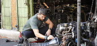 Check the engine the amazing race
