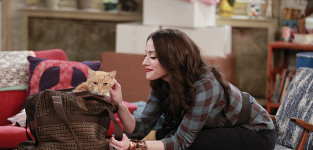 Kitty came home 2 broke girls