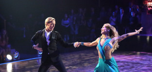 Riker and allison foxtrot dancing with the stars s20e2