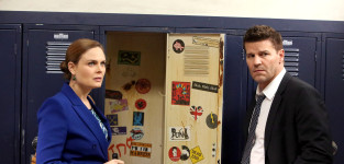 Brennan and booth investigate the murder of a teacher bones