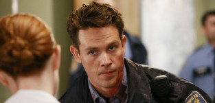 Kevin alejandro on greys anatomy s11e18