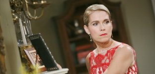 Jennifer Looks to the Past - Days of Our Lives