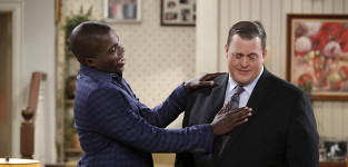 Carl Decides to Propose - Mike & Molly