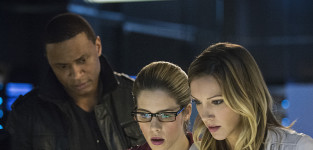 Arrow Season 3 Episode 21 Picture Preview: Friendly Fire
