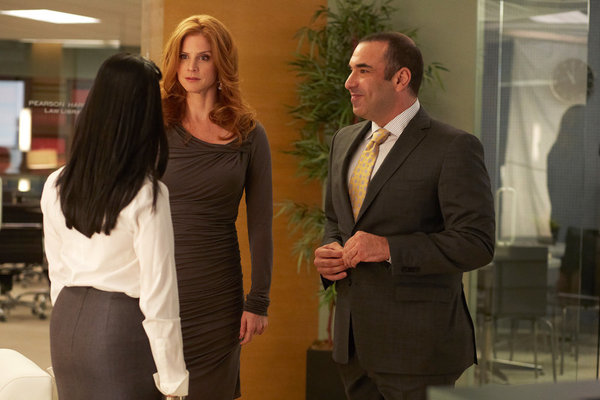 Sarah Rafferty as Donna on Suits