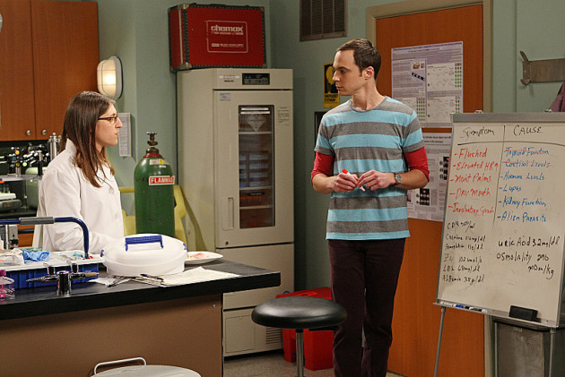 Amy Tries a Hand Holding Experiment with Sheldon