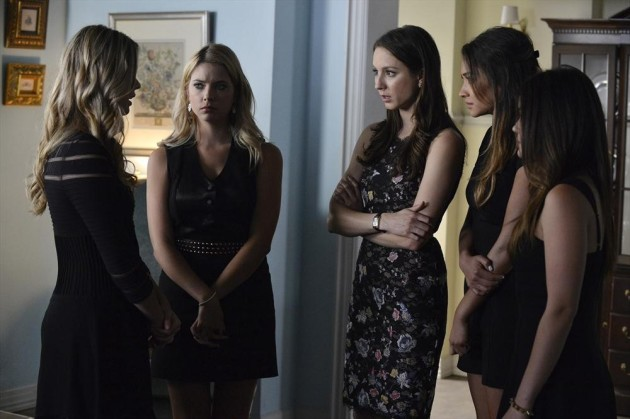 Ali Chats with the Liars at Mom's Funeral