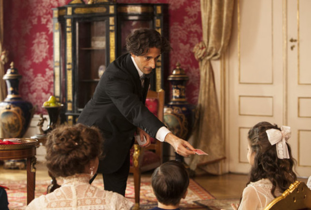 Houdini Performs for Anastasia