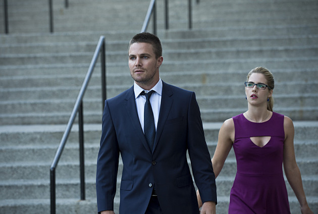 Wait! Don't Go. - Arrow Season 3 Episode 1