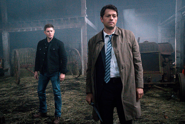 Supernatural Season 10 Episode 20 Picture Preview All Out Fight