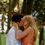 Serena and Carter Kiss!