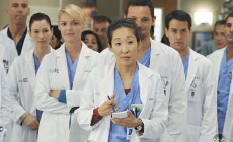 "Grey's Anatomy Preview: ""There's No 'I' in Team"""