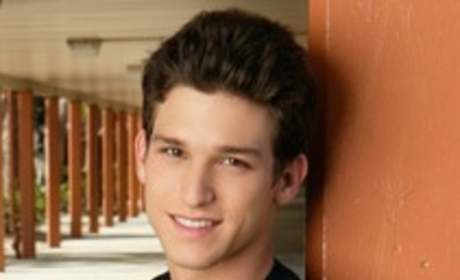 Daren Kagasoff as Ricky Underwood