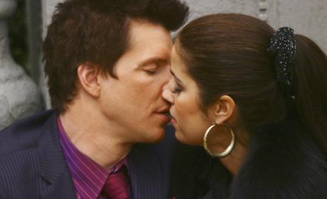 Daniel and Hilda Make Out!