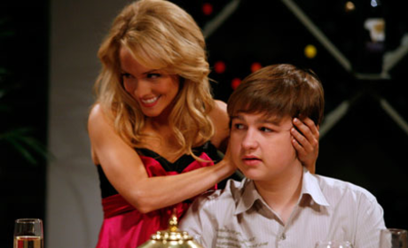 """Two and a Half Men Recap: """"David Copperfield Slipped Me a Roofie"""""""