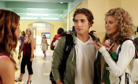 90210: A First Look!