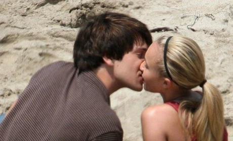 Hayden Panettiere and Nick D'Agosto Make Out