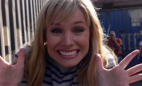 Kristen Bell Gets Goofy on Set