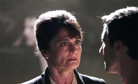 Heroes Spoilers: Angela Petrelli on the Run
